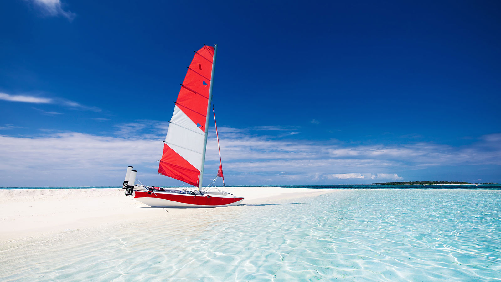 Catamaran sailing Maldives Watersports